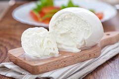 5 cose che non sai sulla mozzarella ed una ricetta molto estiva. (Cudriec) Tags: assolatte cibo cosechenonsai curiosità mangiare mozzarella ricetta