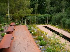 Chaumont-sur-Loire, Loir-et-Cher:  le jardin de sous-bois (Marie-Hélène Cingal) Tags: france centre 41 loiretcher chaumontsurloire centrevaldeloire fer iron bancs benches