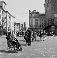 (Silvio Iammarino) Tags: monocrome monocromo people persone square piazza italy 6x6 medium format 100asa streetphotography streetphoto street city urban delta100 ilford film pellicola blancoynegro biancoenero interno7