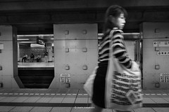 _DSF3731_ORIGINAL-FORMAT (izumi masakazu) Tags: monochrome streetsnap flickr girl white walk woman lady platform station 少女 女の子 女性 白 白色 歩く 駅 プラットフォーム tokyo 東京 神保町