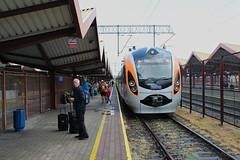 IC+ train to L'viv and Kiev at Przemyśl Główny train station (Timon91) Tags: lviv lvov lwow lwów львів львов ukraine ukraina ucraina ukrain oekraïne oekraine ukrzaliznitsia україна украина poland polen polska polonia przemysl przemyśl перемишль train trein zug eisenbahn bahn railway rails rail railways railroad tren trem pociąg pociag вокзал поезд поїзд station bahnhof stanica dworzec gare gara voz