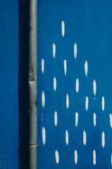 Colorful rain (alex bo.) Tags: street urban graffiti rue nantes ricohgr ricoh pluie rain wall mur dessin