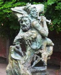 Greg Wyatt, Henry IV, Part I (jacquemart) Tags: shakespeareshakespearebirthplacetrustgardensculpturebronzegregwyatthenryiv partiprincehalfalstaff newplace