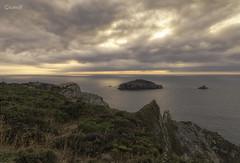 La Erbosa y El Bravo (lesxanes) Tags: seascape marina costa acantilado coast cliff asturias asturies españa spain