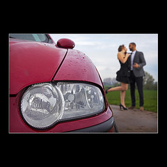 Car  Lovers (KoenK68) Tags: car lovers alfa romeo 147 headlight love passion red people couple hugging kiss canon ©koenk68