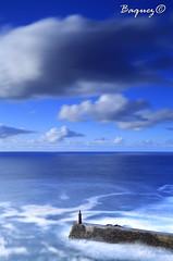 Lonely (Baquez) Tags: faro faroviavelez farosolo baquezphotos baquezphotography landscape lighthouse viavelez ligthouse longexposure longexposurephotography largaexposicion sky cloud clouds cloudly seascape sea