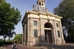 2017-06-21 14.15.36 (walterkolkma) Tags: westfiresland fietsen bikes biking netherlands holland landscapes bicycles cycling enkhuizen dijk dike dromedaris koepoort sonyilce6300