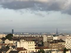 Enfin on respire.... même Paris a l'AIR d'être bien ce matin... (freddo94) Tags: prisedemonbalcon latoureiffel latourmontparnasse latour moinsdepollution 94120 fontenay fontenaysousbois respire paris