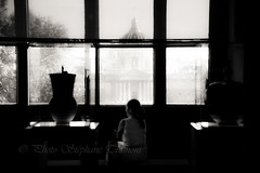 Les ombres du Louvre (steff808) Tags: france francia paris louvre muséedulouvre noiretblanc nikond600 nikon2485 blackandwhite blancoynegro bw biancoenero