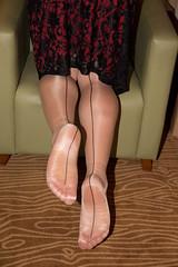IMG_5036.jpg (pantyhosestrumpfhose) Tags: pantyhose strumpfhose strümpfe struempfe tights collant nylons shoe schuhe beine feet legs pantyhosefeet pantyhoselegs nylonlegs nylonfeet