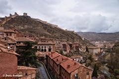 Casas rojizas (Mingui50) Tags: teruel casas pueblo calles albarracín murallas casascolgadas casasrojizas paisaje