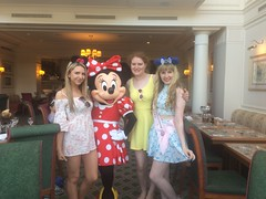 Pics from phone (Elysia in Wonderland) Tags: disneyland paris 2017 elysia elysias birthday 25th 25 anniversary holiday snapchat disney hotel inventions lunch characters meet greet minnie mouse lucy becca