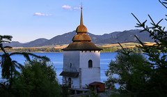 The White tower church of Virgin Mary as a symbol of 13 flooded villages under it (B℮n) Tags: sant maria church water resevoir liptovská mara liptovskámara liptovský trnovec wwwatctrnovecsk slovakia slowakije kayaking kayak kayakers electricity dam recreational site tatra mountains summer holiday boats windsurfing whitetower virginmary peak tourist sightseeing guesthouses sport sports 22km vahriver sporting yacht club green field lonely old carpathian kostol panny márie white tower mary virgin symbol 13 villages flooded 50faves topf50