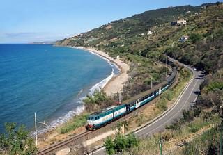 Trenitalia E.656 | Cefalú (Sicilia)