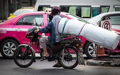 (seua_yai) Tags: asia southeastasia thailand thai bangkok silom sathorn narathiwat chongnonsi people urban city street wheels bangkok2012
