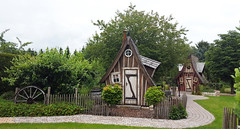 - witch's cottage - (Jac Hardyy) Tags: witchs cottage house houses summerhouse summer guesthouse guest garden little gable gables giebel haus hexenhaus hexenhäuschen häuschen garten gartenhaus gartenhäuschen gästehaus gästehäuschen klein kleines