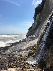 Kreidewasserfall (il.ka15) Tags: rügen wasserfall kreidefelsen steilküste steine meer insel sommer