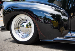 Fun House Fender (maberto) Tags: california carshow d7200 lincoln nikon chrome classic custom hotrod musclecar ©bradmaberto reflection distortion fender whitewall pinstripe