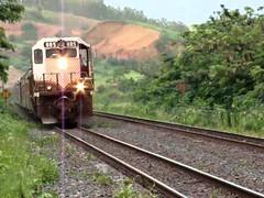 Trem de Passageiros da Vale chegando na Estação de Periquito-MG (portalminas) Tags: trem de passageiros da vale chegando na estação periquitomg