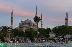 Before the fast-breaking (JB Fotofan) Tags: istanbul moschee cami türkei türkiye turkey mosque abend evening ramazan