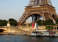 Eiffel Tower from over the river