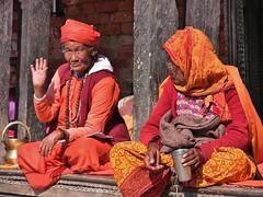 """NEPAL, Pashupatinath, Zu den Hindutempeln und Verbrennungsstätten,  Eine fremde Welt, 16317/8621 (roba66) Tags: reisen travel explore voyages roba66 visit urlaub nepal asien asia südasien kathmandu pashupatinath """"pashu pati nath"""" """"pashupati """"herr alles lebendigen"""" tempelstätte hinduismus shivaiten tempel verehrungsstätte shiva tradition religion menschen people leute frau woman portrait lady portraiture face gesicht"""