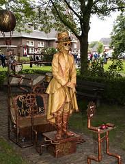 Living statues in Westerbork  (8) (John de Grooth) Tags: westerbork livingstatue livingstatues drenthe 2017 02062017