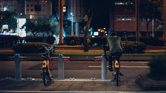 Bike ,alone (Iamjustafish) Tags: fujiflim voigtlander 35mm f14 street bike people taipei taiwan asia man night snapshot 富士 街拍 人 夜拍 台北 台灣 腳踏車 單車 福倫達 classic nokton