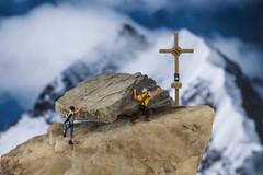 Almost there ! (.MARTINE.) Tags: martine nikond800 nikkor105mm macro littlepeople miniaturen miniatures bergen mountains bergbeklimmers mountainclimbers alpen alps rotsen rocks gevaarlijk dangerous nikonsb910speedlight