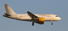 Vueling / Airbus A319-111 / EC-MKX (vic_206) Tags: bcn lebl vueling airbusa319111 ecmkx