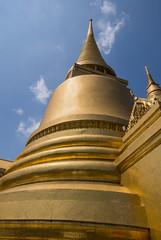 Golden stupa (HansPermana) Tags: bangkok thailand stupa royalpalace kingdom king architecture sacred temple palace sunny bluesky golden