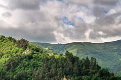Montes en Mieres, Asturias (ccc.39) Tags: asturias mieres ablaña lafaidosa montes bosques árboles nubes cielo casas aldea