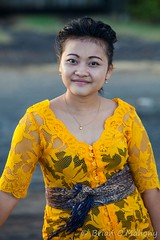 Balinese Freedom (Brian O'Mahony) Tags: beautiful bali people hindu portrait religion brianomahony costume traditional ceremony canon5dmarkii canon thephotographiceye woman lady smile indonesia yellow sash sanur padanggalak canon70200mmf28l women lovely classy indonesian beauty