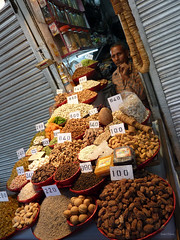Shopping in India (Isabel-Valero) Tags: india market new delhi travel shop traditional