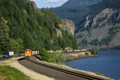 Roundin' The Famous Home Valley Curve (PNW Rails Photography) Tags: stevenson washington unitedstates