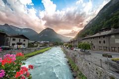 _DSC1556 (Guillaume G. Photographie) Tags: nature cascade river city alps alpes france pose longue ga angle 1224 d750 nikon sun light soleil water rivière