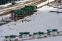 Snow 27 ... (Bijanfotografy) Tags: nikon nikond800 nikon180mm28afd india kashmir jk jammukashmir sonamarg snow mountainside cottage