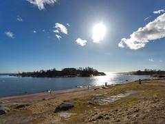 Kaivopuisto, Helsinki, March 23rd 2017. #kaivopuisto #visithelsinki #helsinki #visitfinland #gopro #hero5 #goprohero5 #meri #sea #landscape #seascape #sunrise #auringonnousu (Sampsa Kettunen) Tags: kaivopuisto landscape jäässä ice jäätynyt helsinki jää auringonnousu hero5 meri sea gopro frozen visitfinland visithelsinki seascape sunrise goprohero5