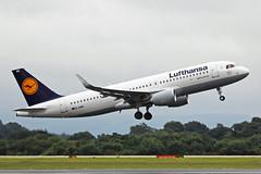 D-AIWA Airbus A320-214S Lufthansa MAN 11JUL17 (Ken Fielding) Tags: daiwa airbus a320214s lufthansa aircraft airplane airliner jet jetliner