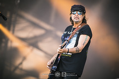 Phil Campbell and the Bastard Sons @ Hellfest 2017, Clisson   17/06/2017 (Philippe Bareille) Tags: philcampbellandthebastardsons heavymetal american hellfest clisson france mainstage 2017 music live livemusic festival openair openairfestival show concert gig stage band rock rockband metal hardrock canon eos 6d canoneos6d musicwavesfr musique artiste scène philipanthonycampbell philcampbell guitarplayer guitarist musician