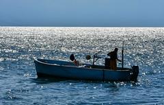 Pêcheur de lumière (Diegojack) Tags: saintprex vaud suisse contrejour ombres lumière bateaux pêche brillance