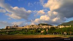 Assisi Pg (Arcieri Saverio) Tags: assisi pg perugia italy landscapes umbria sanfrancesco basilica campagna nikon 1855 nikkor paesaggio nuvole