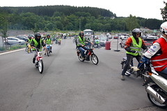IMG_9351 (Christophe BAY) Tags: mobyltettes francorchamps 2017 rétromobile club spa circuit moto vespa camino flandria