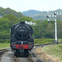Black Five runs round at Carrog P1290823mods (Andrew Wright2009) Tags: carrog station llangollen railway historic heritage preserved steam train north wales uk scenic britain holiday vacation lms black five 460 runs round