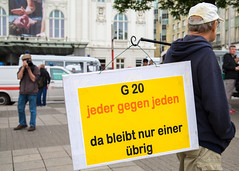 Demonstration Hamburg Refugee Rights - No G20 - 24.06.2017 Around 2.000 refugees and supporters took to the streets of Hamburg in advance of the G20 Summit. (Rasande Tyskar) Tags: hamburg demonstration demo protest rally manifestation solidarity solidarität refugees flüchtlinge no borders kein mensch ist illegal germany 24062017 20170624 migration open grenzen offen offene g20 summit support wellcome united stop war freedom movement welcome heretostay gipfel shut down solidarité immigration march