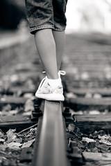 Nuevos caminos, nuevas metas... (zehiotrump) Tags: elmorell familia pau dolores morell paseo retrato retratos fujinon fujifilm fuji fujixseries fujixe2 fujistas xseries xe2 xtrans xf5612r xf56 xtransii fujinonlens esfujifilmx bokeh bn blackandwhite blancoynegro beauty mirrorless monocrome railes railways