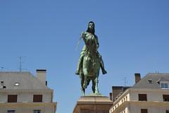 DSC_0110 (matthiasmayer410) Tags: jeannedarc johannavonorleans statue frau amazone schwert pferd ritter frankraich orleans