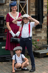 Family on the platform. (Bob Green 52) Tags: svr severnvalleyrailway svrwarweekend2017 severnvalley railway train steam smoke war engine loco rails worcestershire 40sweekend reenactment