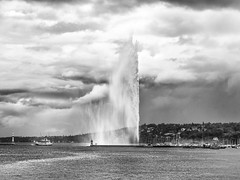 The power of the wind (Karl Le Gros) Tags: genève switzerland 2017 jetdeau xaviervonerlach geneva suisse cantondegenève storm lacléman radedegenève