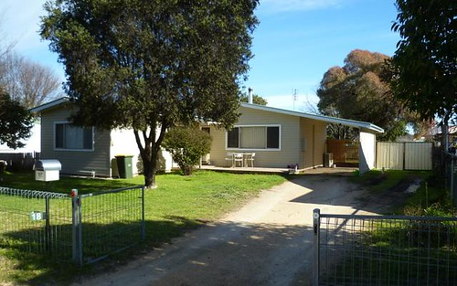 18 Chester Street, Inverell NSW 2360